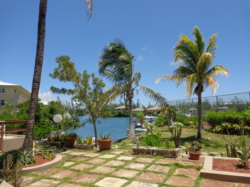 Camelot Courts Condominium  Bahama Reef  Yacht & Country Club Section 2, Block 10, Lot 39